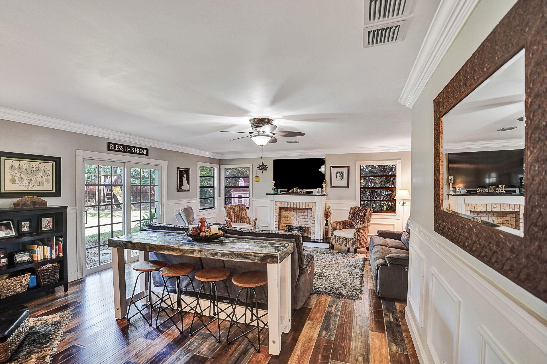 Beautiful Living Room Coral Springs