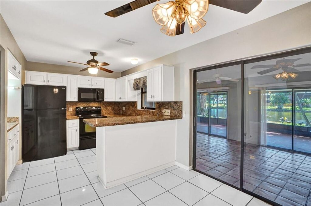 Light and Bright Kitchen in Davie