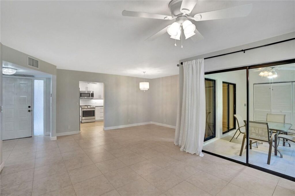 Beautifully Rooms in Coconut Creek