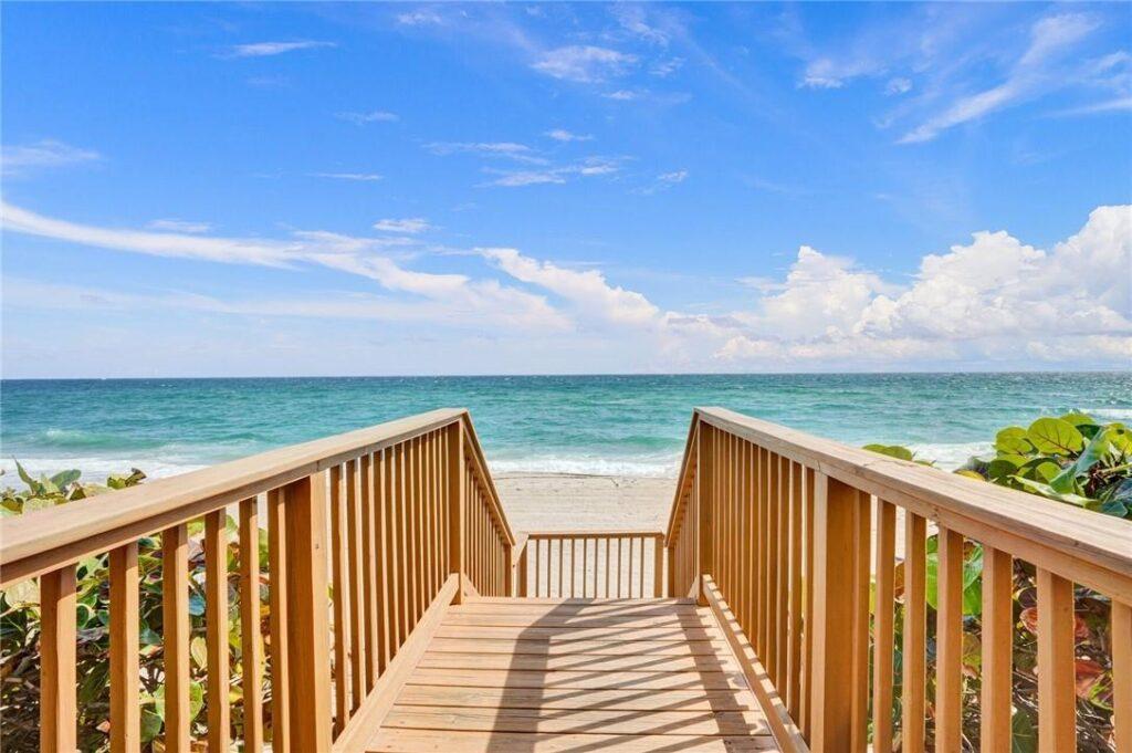 Beautiful Ocean View Palm Beach