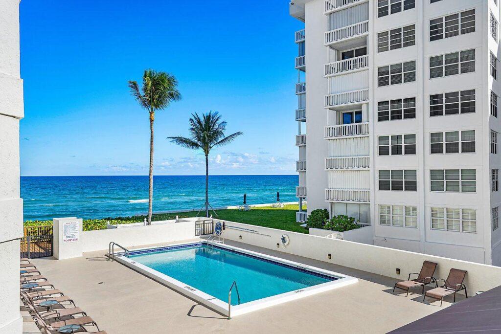 Ocean Boulevard in Palm Beach